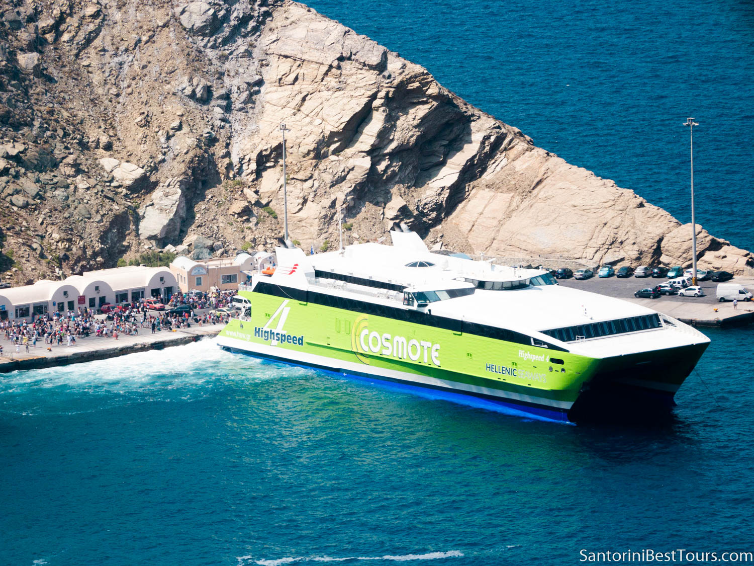 Ferry from Athens to Santorini - Highspeed 4