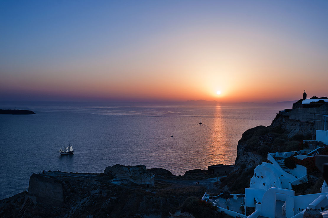 Memories from holidays in Santorini, Greece beautifull sunset in Oia!